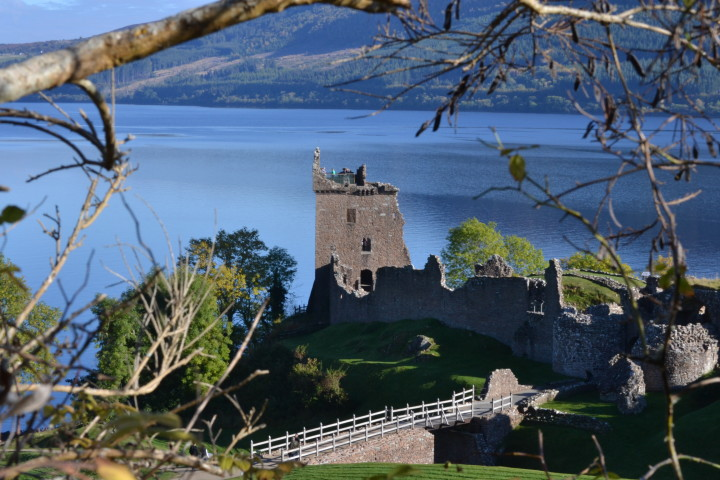 road trip in Scotland - Urquhart Castle